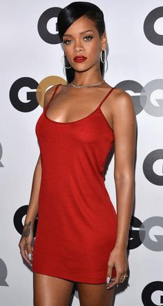 Rihanna in Rosso
