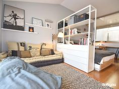 Youth bedroom in Sabadell – i loft you – Interior Design Studio Apartment Layout, Small Apartment Interior, Studio Layout, Studio Apartment Decorating, Diy Apartment Decor, Apartment Design, Interior Design Living Room, Ikea Small Apartment, Studio Apartment Divider