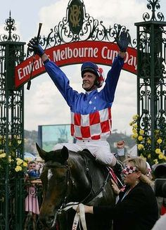 Makybe Diva after winning her 3rd Melbourne Cup in 2005.
