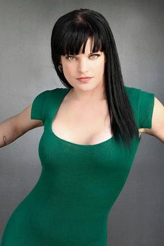 Photoshoot Viva Magazine March 2012 - pauley-perrette Photo