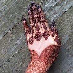 Most Beautiful Henna Designs 2019 Henna Tattoo Designs Arm, Finger Henna Designs, Arabic Henna Designs, Mehndi Designs For Fingers, Best Mehndi Designs, Bridal Mehndi Designs, Simple Mehndi Designs, Arabic Mehndi, Henna Tattoos