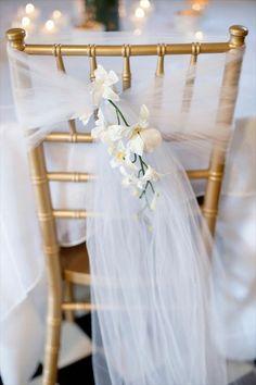 une jolie chaise mariage avec housse mariage pas cher et jetable