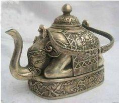 Wonderful Tibet Copper Carve Elephant Teapot Tibet teapot by Sirkka Elephant Teapot, Elephant Love, Indian Elephant, Objets Antiques, Style Asiatique, Teapots Unique, Little Buddha, Qi Gong, Teapots And Cups