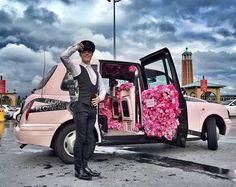 L'Oreal Luxe creates Flowerbomb Taxi to promote fragrance