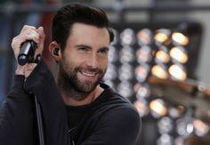 """Adam Levine: """"Sexiest Man Alive"""" - Mit Sexappeal kennt er sich aus – immerhin singt er von der Liebe, hat eine Schwäche für Top-Models und auch selbst kein Problem, halbnackt vor der Kamera zu posieren. Nun wurde der Sänger der Band Maroon 5 vom US-Magazin """"People"""" zum """"Sexiest Man Alive"""" gekürt. Mehr zur Person hier: http://www.nachrichten.at/nachrichten/meinung/menschen/Adam-Levine-Sexiest-Man-Alive;art111731,1244967 (Bild: Reuters)"""