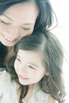 笑顔の母と娘 (c)otium/orion