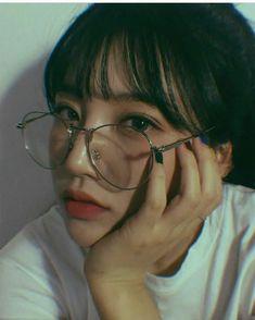 ulzzang, asian, and glasses image Korean Girl Photo, Cute Korean Girl, Asian Girl, Korean Makeup, Korean Beauty, Asian Beauty, Ft Tumblr, Tumblr Girls, Ulzzang Korean Girl