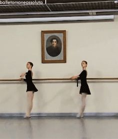 GIF Ksenia Zhiganshina (left) and a classmate from the Vaganova Ballet Academy Ksenia Zhiganshina and Anastasia Lukina. Dance Photo Shoot, Dance Photos, Dance Pictures, Ballet Gif, Ballet Dancers, Ballerinas, Dance Like No One Is Watching, Just Dance, Dance Motivation