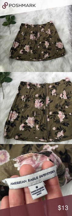FLORAL SKATER SKIRT - Color : Army green base with pink floral pattern  - Brand : American Eagle - Size : 8 - Original Price: 35 American Eagle Outfitters Skirts Mini