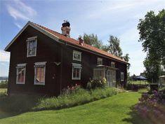 Bildresultat för förstubro dalarna Cabin, House Styles, Cabins, Cottage, Wooden Houses