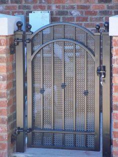 ideas for entrance door steel metal gates Grill Gate Design, Iron Gate Design, House Gate Design, Fence Design, Garden Design, Metal Gate Door, Metal Gates, Wrought Iron Gates, Door Gate