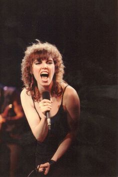 Pat Benatar (born January known professionally by her stage name Pat Benatar, is an American coloratura mezzo-soprano singer, actress, songwriter, and four time Grammy Award winner. Pat Benatar, Glam Rock, Hard Rock, Heavy Metal, Dark Wave, Top 10 Hits, Music Pics, 80s Music, Women Of Rock