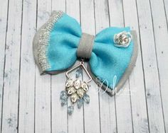 Bros terbaru motif pita hias kristal dan juntai cantik #pita #bow #handmadebow #bowbrooch #brooch#brospita #handmade #diy #accessories