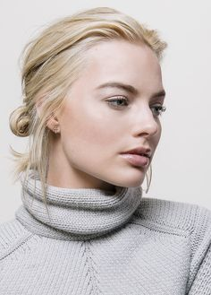 Margot Robbie Pictures, Margot Elise Robbie, Margo Robbie, Actress Margot Robbie, Summer Club Outfits, Square Faces, Famous Women, Most Beautiful Women, Hello Beautiful