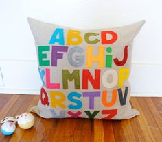 Love the felt letters on this pillow!