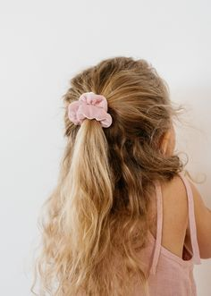 Hairstyles girls Spring Velvets Spring Velvets - Wunderkin Co. Scrunchies for toddlers, little girls, and women. Each of our scrunchies is handmade in the USA and guaranteed for life. The perfect accessory to an easy and cute hairstyle. Cute Hairstyles For Kids, Baby Girl Hairstyles, Black Women Hairstyles, Easy Hairstyles, Toddler Hairstyles, Hairdos, Natural Hairstyles, Vsco, Natural Hair Styles For Black Women