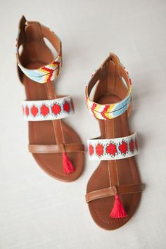 Sandales ethniques : les plus beaux modèles de la saison