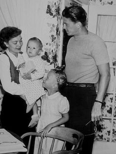 23 Photo's all taken by my mother's uncle Lloyd MacLean - This one is Ronald Reagan with his wife Jane Wyman, their son Michael and Daughter Maureen 1946 - Very cool Greatest Presidents, American Presidents, Us Presidents, Maureen Reagan, Nancy Reagan, 40th President, President Ronald Reagan, Famous Movies, Old Movies