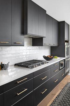 Modern Grey Kitchen, Modern Kitchen Interiors, Luxury Kitchen Design, Kitchen Room Design, Home Decor Kitchen, Modern Kitchen Cabinets, Interior Design Kitchen, Home Kitchens, Cozy Kitchen