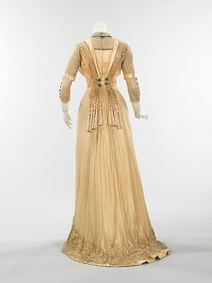 Dress (American)      1909–11 by jayne