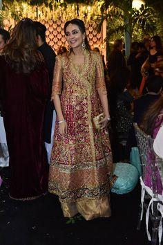 For details whatsapp me 00923064010486 Bridal Mehndi Dresses, Walima Dress, Mehendi Outfits, Fancy Wedding Dresses, Shadi Dresses, Pakistani Formal Dresses, Pakistani Wedding Outfits, Formal Dresses For Weddings, Bridal Outfits