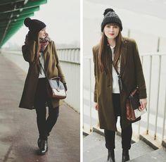 Green coat, Chelsea boots