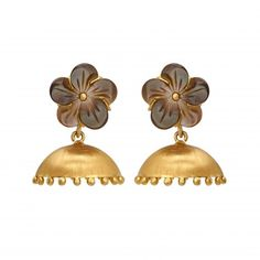 Imperfections yield unique beauty and we at Gehna celebrate nature's imperfections as much as we do her splendour. The Mother of Pearl carved florets enticingly set apart from the handcrafted 18K gold domes bring to life this unusual pair of jhumki earrings.