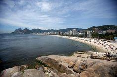 To go or not to go: Countries to enjoy—or avoid—this year (Photo: Antonio Lacerda / EPA)