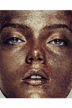 Skincare : Copper For Anti-Aging ....... Is this common metal powerful enough to reverse wrinkles?.... Copper helps to develop collagen and elastin, which maintain the strength of the skin, and it promotes the production of skin-plumping hyaluronic acid. It also has antibacterial and anti-fungal properties, which help prevent infections..... Kur <3