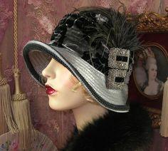 New Retro Style Felt and Tartan Cloche Hat. Vintage Love, Vintage Style, Vintage Fashion, Vintage Hats, Flapper Hat, Flapper Style, Roaring 20s Dresses, 1920s Hats, Fancy Hats