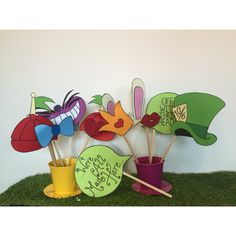 Alice in Wonderland themed props. Made to order (2-7 days) Each prop is hand crafted out of quality card stock in a variety of colours and