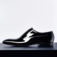 Step up your game this holiday season with these patent shoes #boss #hugoboss