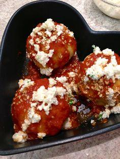 Nhoque de batata-doce recheado com tofupiry (catupiry de queijo de soja): http://abr.ai/1iV7GLE