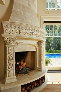 In any home, a fireplace can produce a very simple event unique. As a result of the fireplace, you'll feel comfortable and comfortable whether you are having a household get-together or a dialogue with a buddy in your home. Home Fireplace, Fireplace Surrounds, Stone Fireplace Designs, Stone Fireplaces, French Style Homes, Deco Design, Design Design, Design Ideas, Interior Exterior