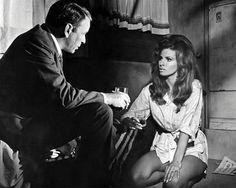 Lady in Cement (1968) - Frank Sinatra, Raquel Welch
