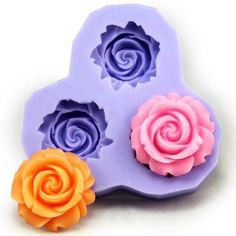 With our reusable flower silicone mold, you can create beautiful flowers for pendants or hair pieces. The flexible silicone allows you to use the mold dozens of time. Each flower casting will measure