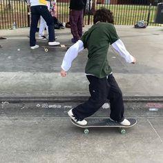 Skater Boy Style, Skater Kid, Skater Girls, Skater Outfits, Boy Outfits, Sup Girl, Skate Boy, Estilo Grunge, Teenage Dirtbag