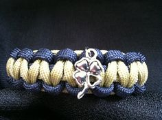 Notre Dame Themed Paracord Bracelet with Clover Charm (custom size), charm bracelet, shamrock charm bracelet, 550 paranoid Notre Dame Michigan, Notre Dame College, Notre Dame Irish, Notre Dame Womens Basketball, Notre Dame Football, Paracord Bracelets, Paracord Ideas, Cobra Weave, Go Irish