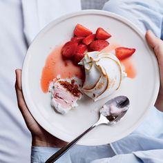 Strawberry season is upon us. It is the wonderful time of year when the Earth produces the absolute best of this sweet, red, juicy fruit that bears it. Baked Alaska Recipe, Wine Recipes, Dessert Recipes, Making Homemade Ice Cream, Juicy Fruit, Frozen Desserts, Summer Desserts, Strawberry Recipes, Base Foods