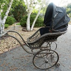 Gorgeous Antique Baby Carriage