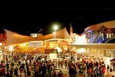 Oktoberfest é o nome que recebe a principal Festa da Cidade de Blumenau no estado de Santa Catarina. É a segunda maior festa alemã do mundo, ficando somente atrás da Oktobertest de Munique. Esta festa se realiza anualmente no mês de outubro e atrai turistas do Brasil inteiro e do exterior, principalmente da Alemanha.
