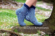 Ravelry: Amimon Maritime Socks pattern by Olya Amimono