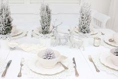 Tischdeko-Weihnachten-alles-in-Weiß