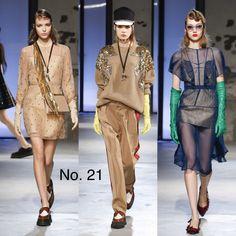 Fall 2018 RTW https://www.vogue.com/fashion-shows/fall-2018-ready-to-wear/no-21