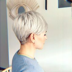 Stylish 36 Astonishing Back View Short Pixie Haircut Hairstyle Ideas To Try Asap Popular Short Hairstyles, Short Hairstyles For Thick Hair, Short Grey Hair, Short Hair Older Women, Short Pixie Haircuts, Curly Hair Styles, Curly Short, Short Haircut, Short Hair Cuts For Women Over 50
