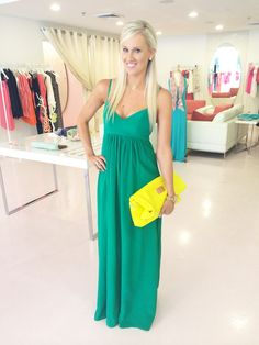 For the love of green!! This #amandauprichard dress is everything!!