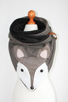 Dreieckstuch in Grau mit süßem Fuchsgesicht/ grey triange scarf with a cute fox head made by duftesachen-berlin via DaWanda.com