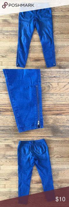 Mossimo Denim Leggings Well-worn in Mossimo denim leggings. Very thin fabric, comfy to wear. They are a bright blue, brighter than jean denim. Mossimo Supply Co Pants Leggings