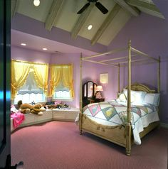 Girl's Bedroom  - by Kipnis Architecture + Planning