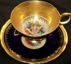 Rich Gold Signed N. Brunt Fruit Painted Aynsley Tea Cup and Saucer Set China Cups And Saucers, Teapots And Cups, China Tea Cups, China Mugs, Antique Tea Cups, Vintage Cups, Cuppa Tea, My Cup Of Tea, Tea Cup Saucer